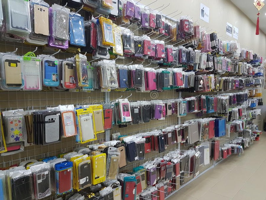 Sahar market in Mumbai for wholesale mobile accessories and spare parts.